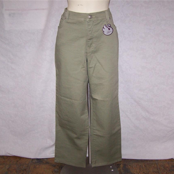 1bffeddee2ff GLORIA VANDERBILT Pants 16 Short Green Stretch New